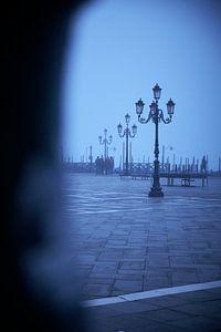 San Marco Platz im Nebel