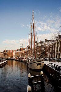 Aangemeerde schepen aan de Hoge der A te Groningen (Nederland)