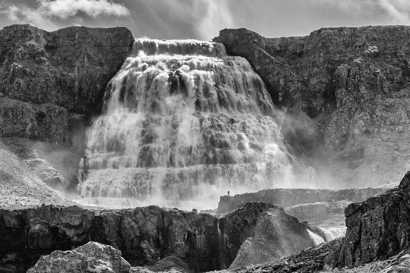 Dynjandi waterval IJsland van Menno Schaefer