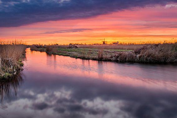 Zonsondergang Westzijderveld van Adriaan Westra