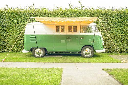 Volkswagen Tranporter T1 retro camper bus van Sjoerd van der Wal