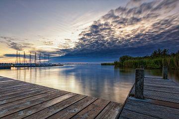 Sonnenaufgang in den Wolken von Jacques Jullens