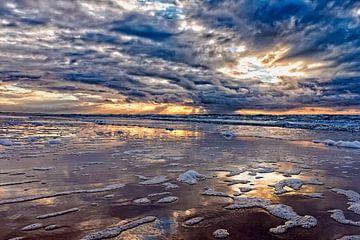 zonsondergang boven de Noordzee van eric van der eijk