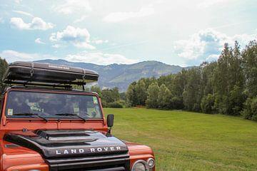 Land Rover in berglandschap van Emmy van der Zwan