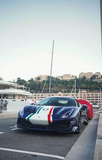 Ferrrari 488 Pista Piloti in de haven van Monaco
