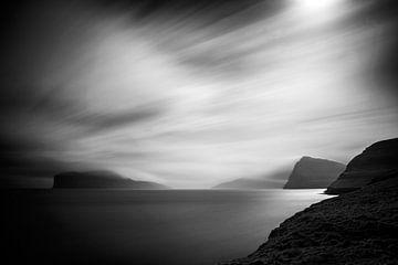 Zeelandschap op de Faeröer eilanden van Arina Keijzer
