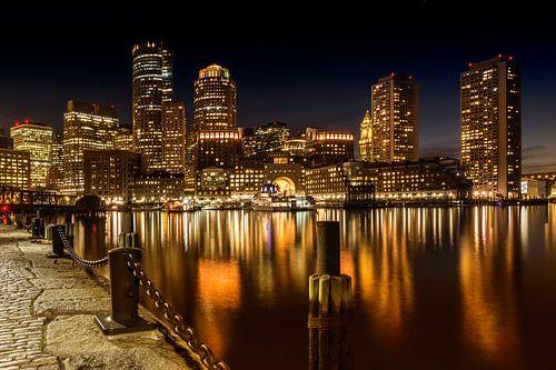 BOSTON Fan Pier Park En Skyline bij nacht  van Melanie Viola