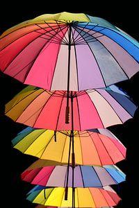 Parapluie sur fond noir sur Ulrike Leone