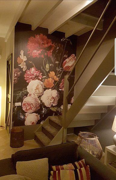Photo de nos clients: Stilleven met bloemen in een glazen vaas sur Hollandse Meesters