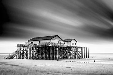 Pfahlbauten am Strand von Markus Lange