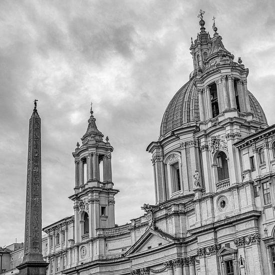 Rome - Piazza Navona - Sant'Agnese in Agone - B&W van Teun Ruijters