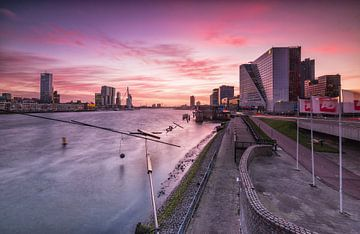 Zonsondergang Boompjes Rotterdam sur Ilya Korzelius