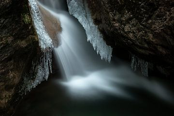 Waterval in de Bärenschützkloof - Stiermarken - Oostenrijk van Felina Photography