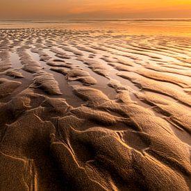 Strandstructuren Texel van Ton Drijfhamer