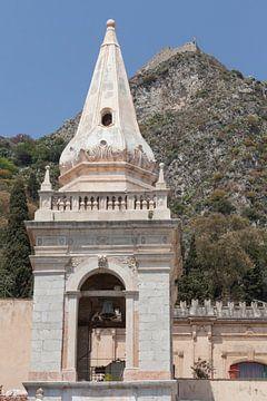 Glockenturm, Piazza IX Aprile, Hauptstraße Corso Umberto, San Giuseppe Kirche, Taormina, Provinz Mes