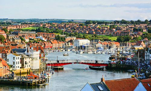 View of Whitby and its harbour van Gisela Scheffbuch