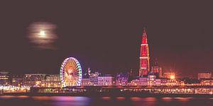 Skyline Antwerpen in de winter met volle maan van Ribbi The Artist