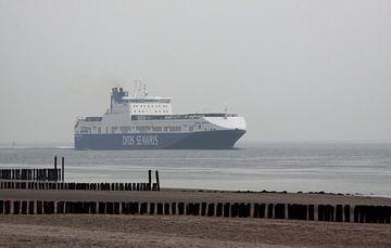 Schip passeert de kust van Zoutelande van MSP Canvas