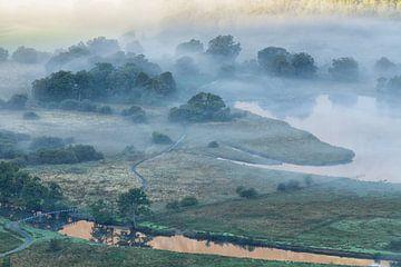 Fog over Derwent Water von Ron Buist
