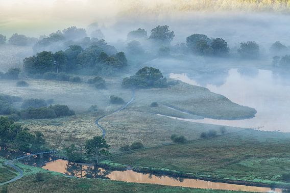 Mist boven Derwent Water