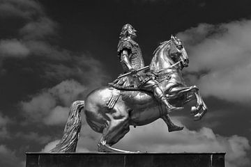 """""""Golden Horseman"""" statue in Dresden van Jörg Hausmann"""