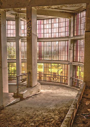 Abandoned Preventorium van