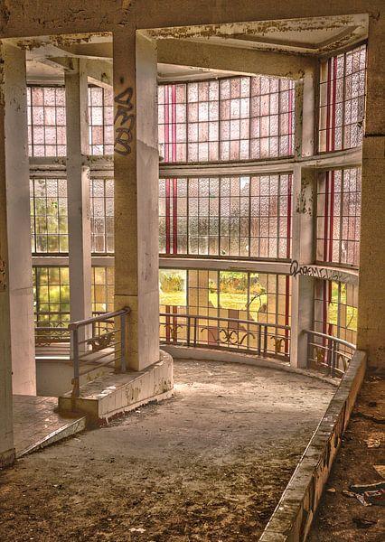 Abandoned Preventorium van Tom Opdebeeck