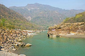 Der Fluss Ganges in Indien von Nisangha Masselink