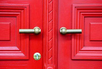 Rode deur van Koen Van Herck