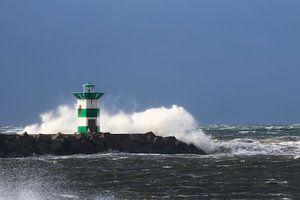 Havenhoofd in de storm