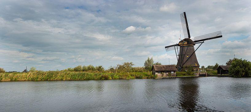 Photo panoramique du moulin à vent de Kinderdijk sur Erna Böhre
