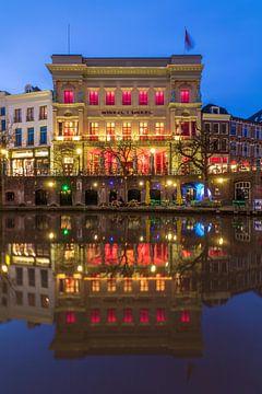 Winkel van Sinkel Oudegracht Utrecht blauw uur van André Russcher