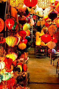 Lampionnen in Hoi An, Vietnam van Gijs de Kruijf