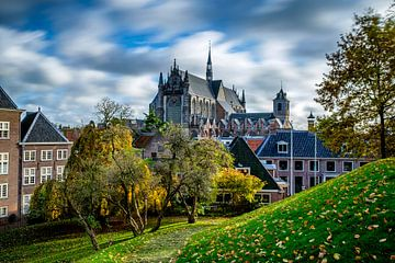 Hooglandse Kerk in Leiden in de lente von Eric van den Bandt
