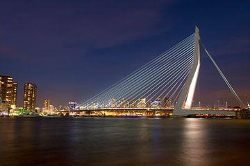 Erasmusbrug Rotterdam sfeervol in december von Dexter Reijsmeijer