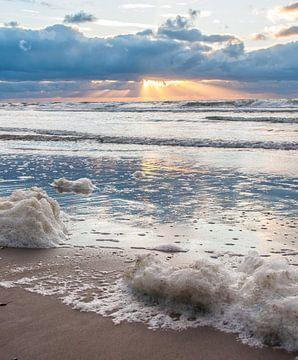 November Beach part 5 van Alex Hiemstra