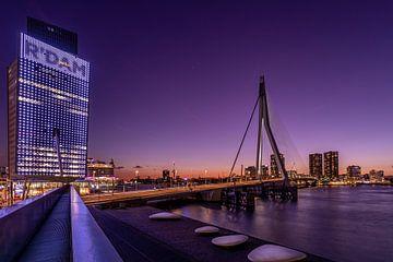 Erasmusbrücke - KPN-Gebäude - Rotterdam von Fotografie Ploeg