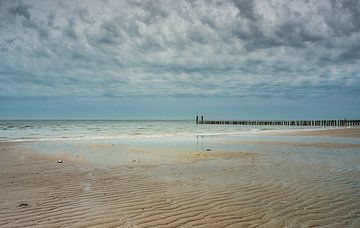 wolken strand van natascha verbij