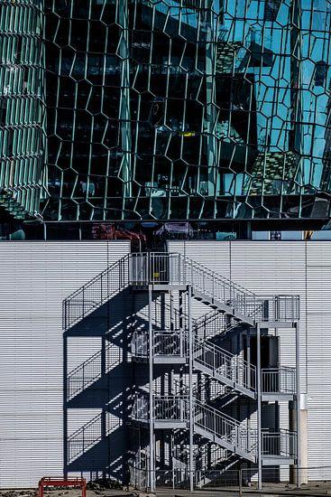 Bouwlocatie bij Harpa in Reykjavik van Gerry van Roosmalen