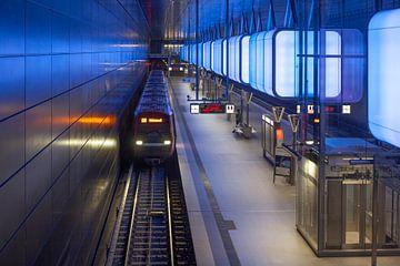 Metrohalte Hafencity Universiteit, metrolijn U4 met lichtinstallatie, Hafencity, Hamburg, Duitsland van Torsten Krüger