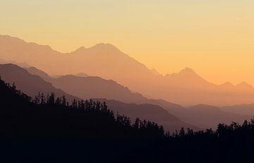 Berglandschap tijdens zonsopkomst van Chihong