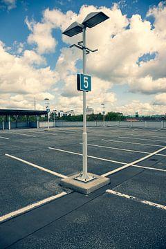 parkeerniveau 5 - 3 van Marc Heiligenstein