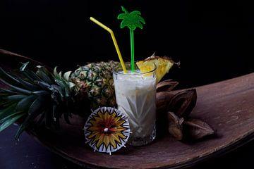 Rum ontmoet ananas banaan kokosnoot. Heerlijke en fruitige cocktails geserveerd in een glas van Babetts Bildergalerie