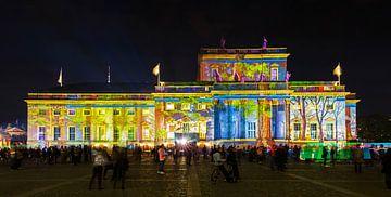 L'Opéra d'État de Berlin sur la Bebelplatz sous un éclairage particulier