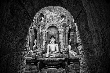 Boeddha's in tempelcomplex Mrauk U Sittwe Myanmar/Birma.