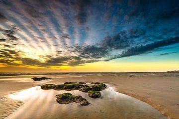 Coucher de soleil sur la plage de la Côte d'Opale sur Damien Franscoise