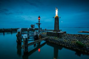 Volendam - sfeervolle avondopname van de haven
