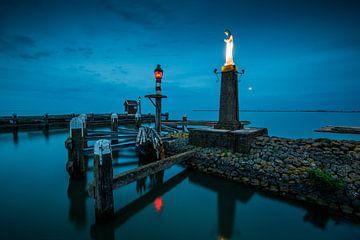 Volendam - sfeervolle avondopname van de haven van Keesnan Dogger Fotografie