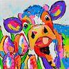Koe met tulpen van Vrolijk Schilderij thumbnail