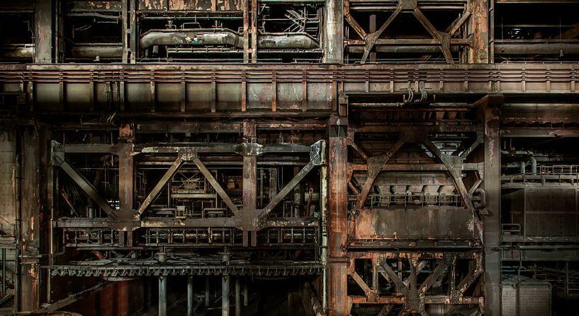 Heavy industrial van Olivier Van Cauwelaert
